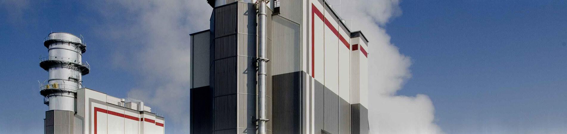 Willy Matheisl, Das Kernkraftwerk Temelín, tschechisch Jaderná elektrárna Temelín, (tschech. Abk. JETE) ist ein Kernkraftwerk in Tschechien. Es ist das nach Leistung größte Kraftwerk in Tschechien. Es besteht aus zwei Reaktorblöcken mit einer Gesamtleistung von 2000 MW. In dem Kernkraftwerk sind z. Z. ungefähr 1000 Menschen beschäftigt.Es hat vier Kühltürme mit einer Höhe von je 150 m. Ihr Durchmesser (auf Bodenhöhe) beträgt 130 m, die Außenwand hat eine Fläche von 44.000 m².Es liegt in der Nähe des Dorfes Temelín 5 km südlich von Týn nad Vltavou (Moldauthein), 24 km nördlich von Ceské Budejovice (Böhmisch Budweis) in Südböhmen, Tschechien. Das Kernkraftwerk liegt 50 km von der österreichischen und 60 km von der deutschen Grenze entfernt. Das Gelände, auf dem das Kernkraftwerk liegt, ist 1,45 km² groß, davon sind 1,23 km² umzäunt